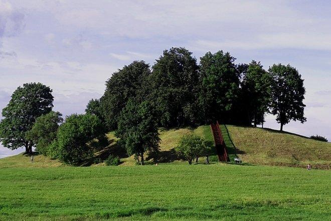 Daugailių piliakalnis