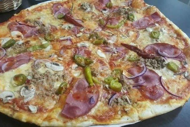"""Greito maisto restoranas """"Mo Pizza–Kebab Utena"""""""